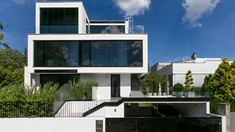Wieviel +kostet ein +Einfamilienhaus mit 200m2? +Brauche ich ...